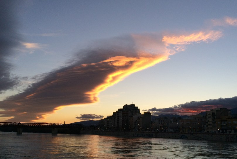 Sunset over the Ebro with some very impressive orographic clouds.