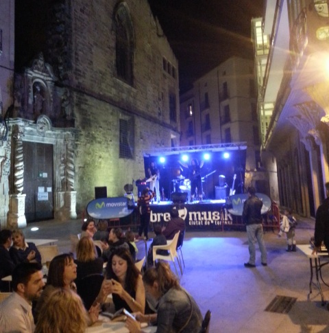 Demented perform to a small but dedicated crowd in Plaza de Nuestra Señora de la Cinta